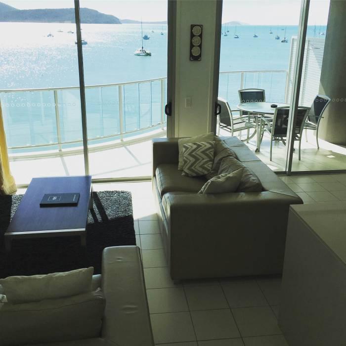 b2ap3_thumbnail_Marina-Shores-Lounge-SS.JPG