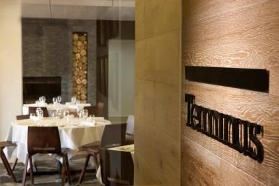 b2ap3_thumbnail_Quarters-restaurant_20140103-042155_1.jpg