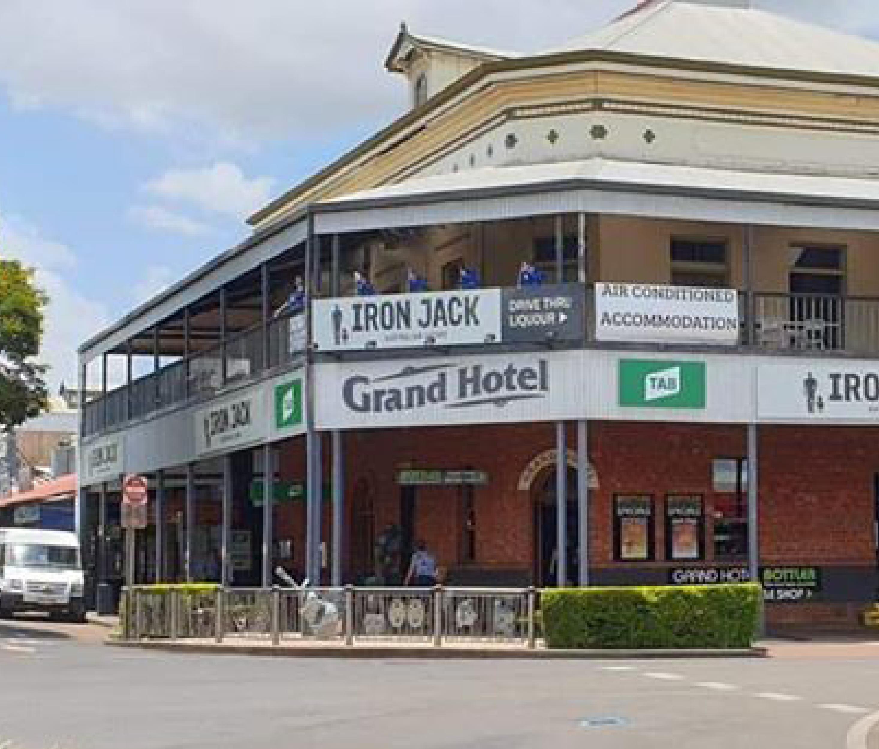 GRAND HOTEL CHILDERS