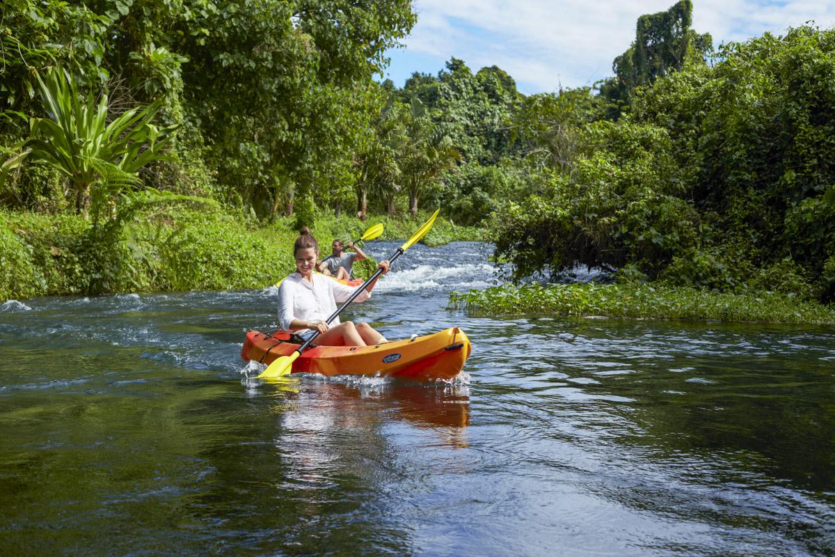 vanuatutravel 011200110 kayaking