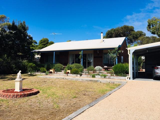 Elizabeth Cove Cottage