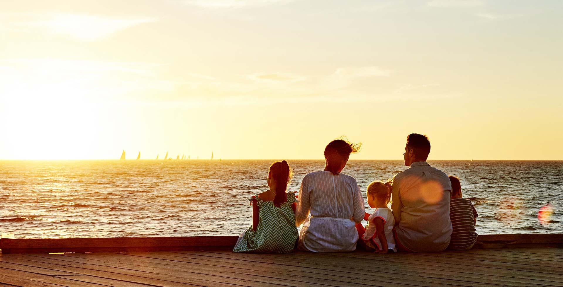 Enjoy wordclass sunset along Fremantle's premier beaches