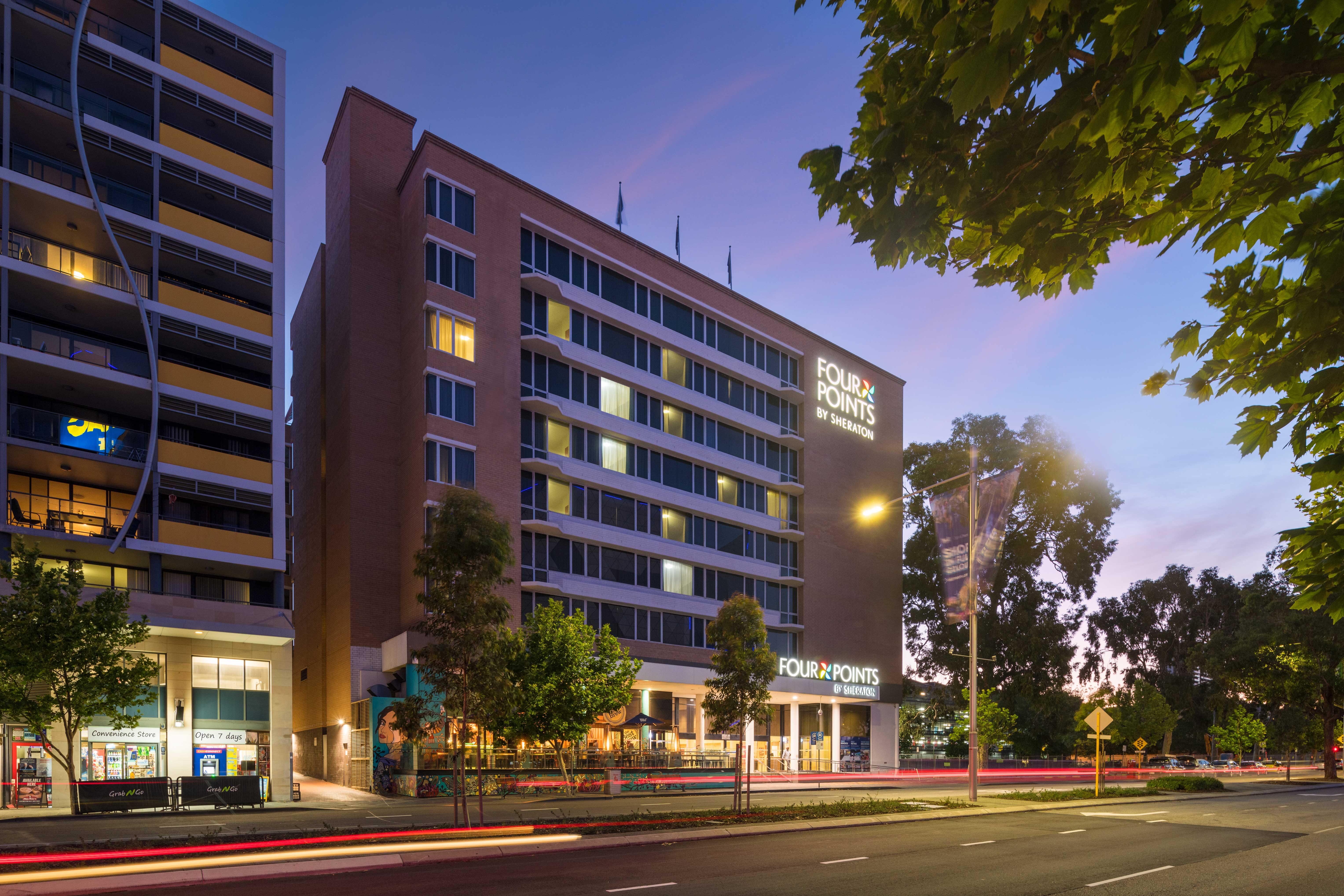Enjoy stunning views at Four Points by Sheraton Perth Hotel