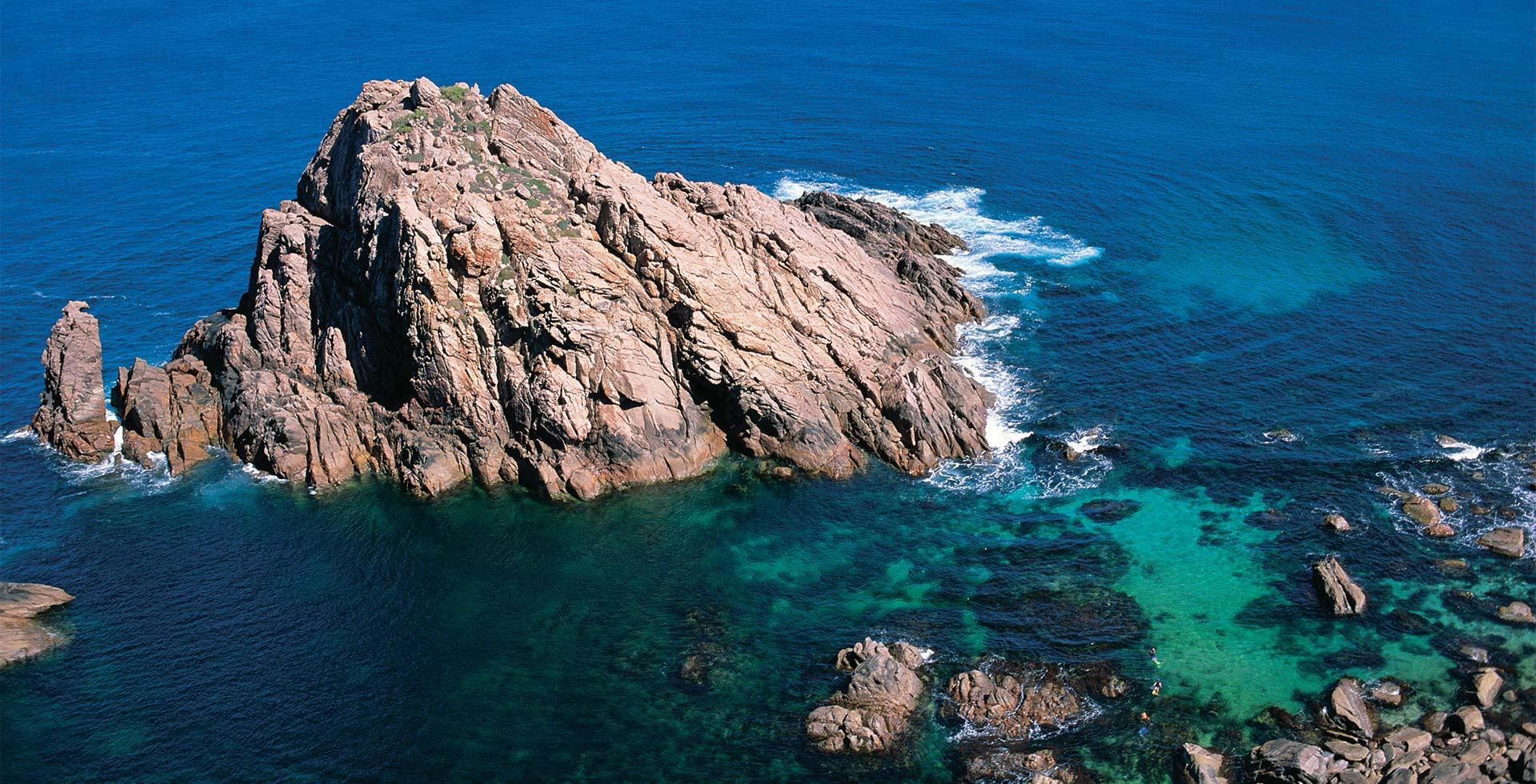 Visit the spectacular Sugarloaf Rock in Yallingup