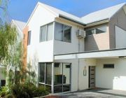 North Fremantle Executive Townhouse